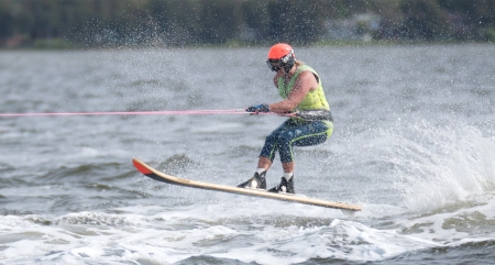aussie-water-ski-racer-small-by-rob-storum.jpg