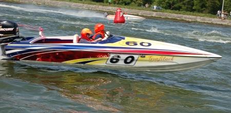 Kelly Nulens' F2 Boat